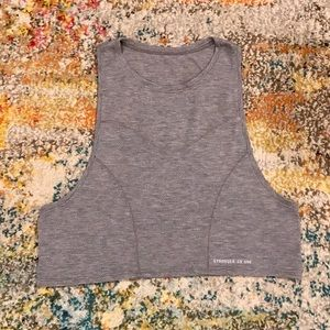 Lululemon Stronger as One Crop Tank EUC size 4/6
